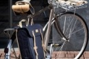 BASIL PORTLAND SLIMFIT DOUBLE BAG Dark Red alforge bicicleta